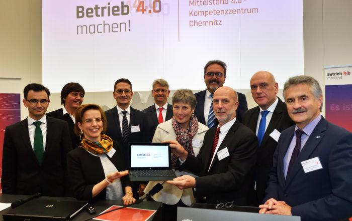 Vertreter der Konsortialpartner eröffneten gemeinsam mit Repräsentanten des Fördergebers BMWi sowie Vertretern der Bundes- und Landespolitik das Mittelstand 4.0-Kompetenzzentrum Chemnitz.