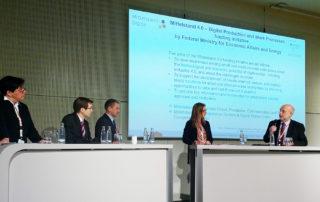 Podiumsdiskussion mit Prof. Müller, Prof. Peruzzini, Dr. Lemke, Hr. Gallezot und Prof. Gesmann-Nuissl (von rechts). || © Foto: TU Chemnitz, Hendrik Hopf