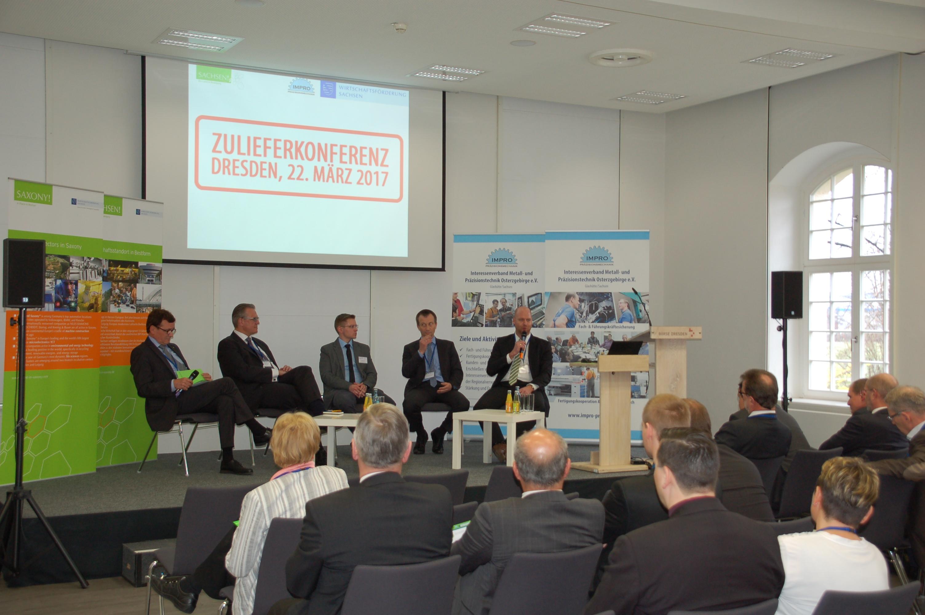Podiumsdiskussion bei Zuliefererkonferenz 2017 || © Wirtschaftsförderung Sachsen GmbH & IMPRO e.V.