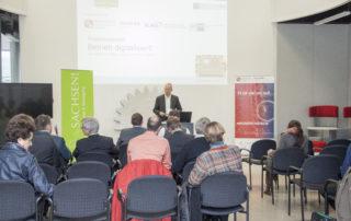 Armin Reith von der Wirtschaftsförderung Sachsen eröffnen die Veranstaltung.    © TU Chemnitz