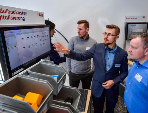 """Das Mittelstand 4.0-Kompetenzzentrum Chemnitz als Aussteller auf der Messe """"mtex+"""" in Chemnitz"""