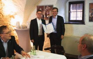 Dr. Hendrik Hopf und Rainer Gläß (Vorstandsvorsitzender von SWS Digital)   © SWS digital e.V.