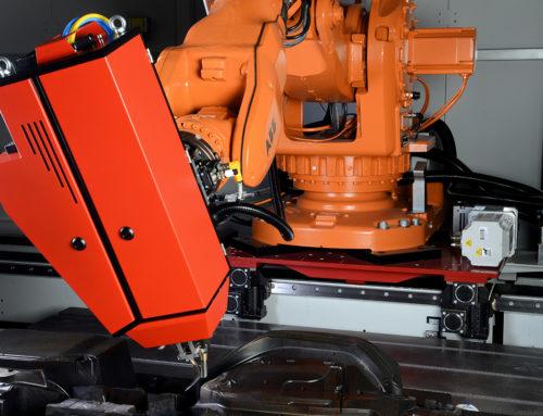 Software für roboterbasierte Multi-Technologiezelle im Werkzeugbau
